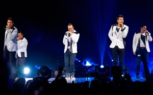 package-tour-nkotb